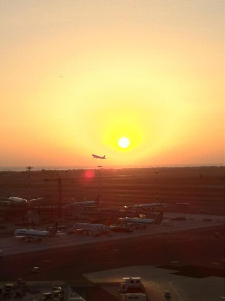 Tramonto su Fiumicino Aeroporto